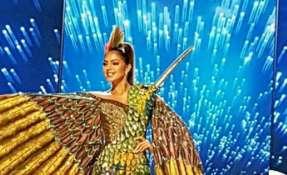 El traje típico de Connie Jiménez se inspiró en la belleza del colibrí. Foto: Tomado de Twitter Miss Ecuador.
