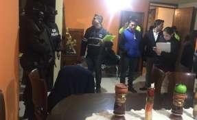 QUITO, Ecuador.- En la madrugada se realizó un operativo para investigar a un perito por fraude procesal. Foto: Twitter Fiscalía