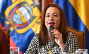"""ECUADOR.- La canciller María Fernanda Espinosa aseguró que aún no ha determinado con el presidente Lenín Moreno """"una posición nacional"""". Foto: API"""