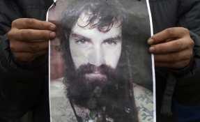 """""""Estamos convencidos de que es Santiago"""", afirmó su hermano al salir de la morgue judicial."""