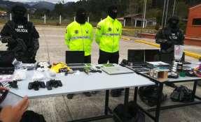 Los aprehendidos se dedicaban a distribuir las drogas a través de motocicletas y vehículos. Foto: Ministerio del Interior