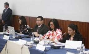 Procurador Diego García se apresta a informar sobre las acciones legales de la institución por casos de corrupción. Foto: API