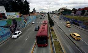 Según los cálculos, la flota vehicular en América Latina sigue creciendo aceleradamente y se estima que podría triplicarse en los próximos 25 años. Foto: AFP
