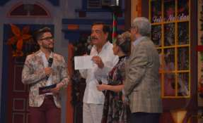 GUAYAQUIL, Ecuador.- El alcalde de Guayaquil, Jaime Nebot, junto a Pascual del Cioppo y dos conductores de televisión. Foto: Franklin Navarro.