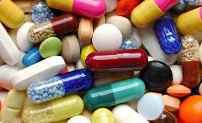 Casas de salud buscan solucionar escasez de fármacos y los altos precios. Foto referencial / Archivo