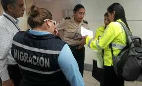 Fiscalía de Ecuador investigará filtros migratorios que permitieron salida del menor. Foto: Twitter Policía Nacional