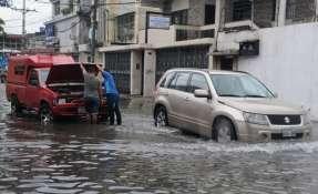 El 20 de febrero, Guayaquil soportó más de 10 horas de fuertes lluvias dejando varias calles inundadas. Foto: API