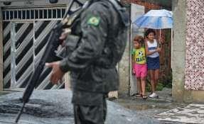 Unos 8.500 militares fueron enviados a Rio para resguardar las favelas. Foto: AFP