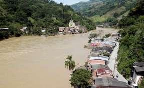 """Nueva """"alerta roja"""" de desalojo para cuatro de los 12 municipios que están en la zona. -  Foto: RT"""
