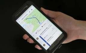 NUEVA YORK, EE.UU.- un teléfono móvil muestra los trayectos de un usuario en Nueva York. Foto: AP.
