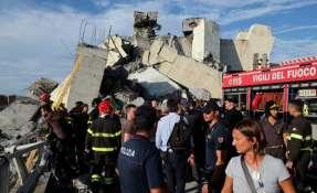 ITALIA.- El colapso de la estructura deja al menos 30 muertos. Las tareas de búsqueda continúan. Foto: AFP