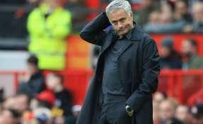 El entrenador Jose Mourinho muestra su desagrado por el resultado del partido. Foto: LINDSEY PARNABY / AFP