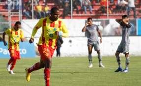 QUITO, Ecuador.- Con estas 3 dianas, Montaño se convierte en el segundo goleador del torneo en el 2018. Foto: API