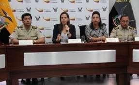En el operativo se detuvo a 14 personas, entre militares en servicio activo y civiles. Foto: Ministerio del Interior