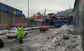 QUITO, Ecuador.- El temporal ocasionó afectaciones en avenidas y calles de la capital ecuatoriana. Foto: AMT Quito.