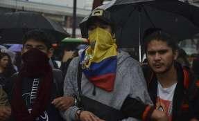 QUITO, Ecuador.- Marcha de Estudiantes universitarios en contra del recorte del presupuesto de educación. Foto: API.