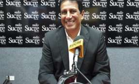 GUAYAQUIL, Ecuador.- El exministro de Deporte ratificó a Damián Diaz para el 2019. Foto: Radio Sucre