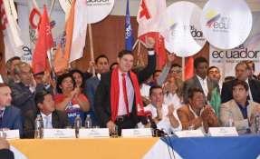 """Espinel explica que su dimisión se da en pos de que el partido """"se pueda preparar"""". Foto: Compromiso Social."""