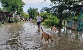 Acumulación de agua por lluvia en Salitre. Foto: Merlyn Ochoa