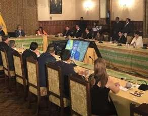 QUITO, Ecuador.- El presidente posesionó a sus representantes provinciales y mantiene un taller de trabajo. Foto: Twitter Presidencia de la República
