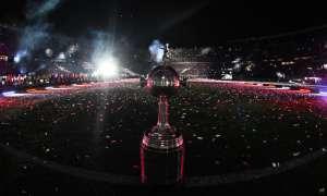 Los 'azules' recibirán a Cruzeiro, mientras que los 'albos' visitarán al San José de Oruro. Foto: Archivo