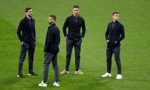 Cristiano junto a sus compañeros en la previa del partido ante el Atlético de Madrid.