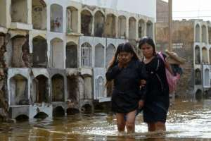 Las lluvias torrenciales, los deslizamientos de tierra y el desbordamiento de ríos han matado a 25 personas y afectado a más de 200.000 en Perú desde comienzos de año. 6 de febrero de 2017.