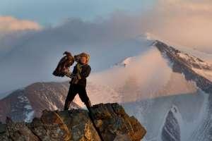Cazadora de águilas de  13 años de edad  Ashol Pan, Mogolia