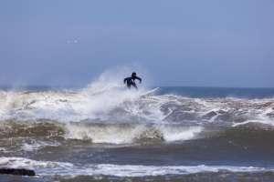 La temporada de vientos en estas playas empieza desde mayo a diciembre.// Balneareo de Chicama