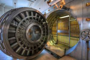 Esta puerta pesa 22 toneladas y protege el oro en el Fuerte Knox, ni los ladrones más astutos pueden abrirla