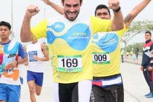 En la carrera participaron talentos de pantalla como Juan José Jaramillo. Foto: Franklin Navarro/Ecuavisa