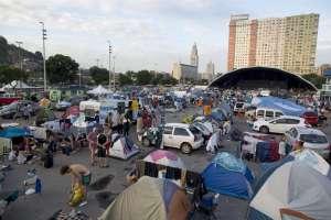 Desalojan a los últimos aficionados acampados en Río desde el Mundial. Foto: Archivo EFE