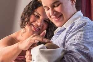 ECUADOR.- La pareja LGBTI compartió en sus redes sociales el nacimiento de su bebé. Foto: Diane Rodríguez