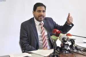 ECUADOR.- El legislador revela que los funcionarios no solo tienen cuentas en Panamá, sino en otros países. Foto: API