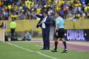 Gustavo Quinteros se reunió con el directorio de la FEF y se comprometió a hacer cambios y rectificar. Foto: AFP