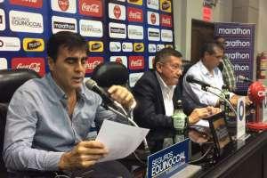 Gustavo Quinteros anticipó que no renunciará al cargo porque su deseo es continuar con el proceso.