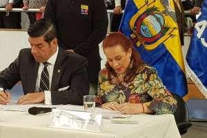 El ministro Ledesma y la Cancillería Ecuatoriana firmaron un convenio de cooperación. Foto: @mfespinosaEC