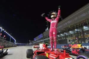 El alemán Sebastian Vettel logró su cuarta 'pole' en el circuito de Marina Bay, en Singapur.