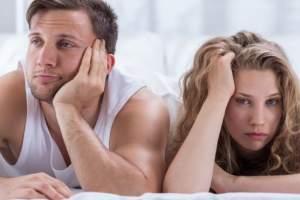 El 34% de las mujeres encuestadas y el 15% de los hombres dijo que había perdido el deseo sexual durante tres meses o más en el pasado año.