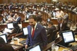 QUIITO, Ecuador.- El presidente de la comisión, Pabel Muñoz, dijo que el texto enviado desde el Ejecutivo no podía entrar en vigencia. Foto: API.