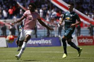 El defensa uruguayo se peleó con su DT tras ser cambiado en el juego ante Guayaquil City. Foto: API