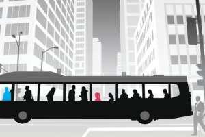 Imre Marton se dio cuenta que Charlie Howells subía todo el tiempo a su autobús y viajaba el día entero, sin destino alguno. (Imagen: iStock/BBC)