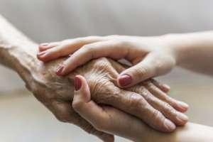 La artrosis afecta a persones mayores de 40 años y la artritis es más común entre los 20 y los 40.