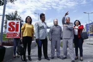 Unidad Popular realizó una puesta escena con personajes de Rafael Correa y Jorge Glas. Foto: API