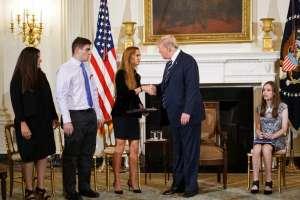 """Presidente de EE.UU. dijo que autoridades serán """"más fuertes en chequeos de antecedentes"""". Foto: AFP"""