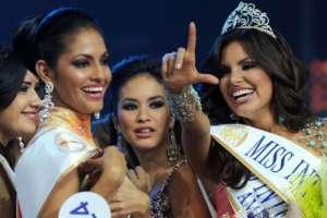 Hannelly Quintero (dcha.) se encuentra entre las reinas de la belleza que realizaron acusaciones.