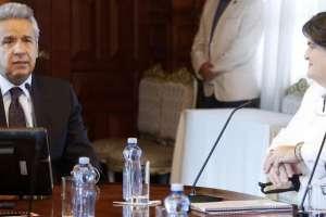 Plan, entregado a Moreno por ministra Viteri, llega tras 10 meses de Gobierno. Foto: Presidencia