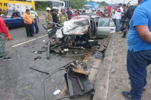 Un muerto tras choque múltiple en la av. Perimetral de Guayaquil. Foto: ATM Guayaquil