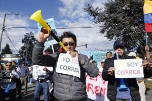 Simpatizantes de Rafael Correa durante marcha en Quito. Foto: API.