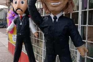 Luis Miguel y su polémico padre se convierten en piñatas en México. Foto: EFE